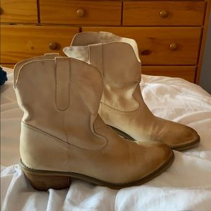 Crown Vintage Cream Western Booties